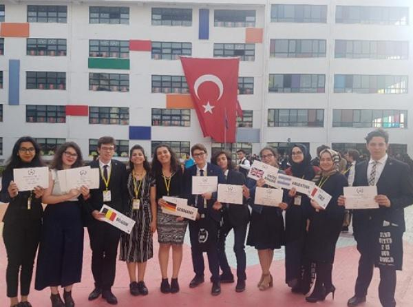 Model United Nations da TOFAŞ Fen